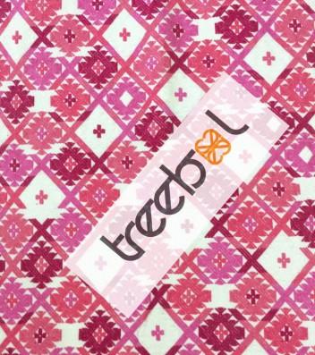 Makkela is Promoting Treebol products made by mayan artisans.